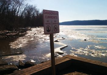Hudson River warning sign in case you were thinking of swimming in ice water