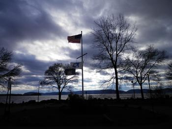 Another windy day along the Hudson River
