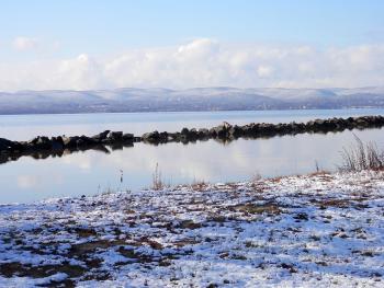Hudson River winter view at Croton Landing Park.