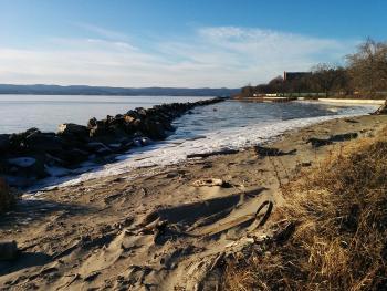 Hudson River at Croton Landing Park.
