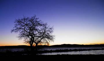River sunset. © 2015 Peter Wetzel.